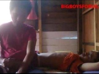 Jakol Habang Tulog Ang Utol ( Masturbate While Younger Brother Is Sleeping )