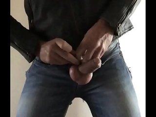Jerking and gumming in Ripped jeans and leather jacket