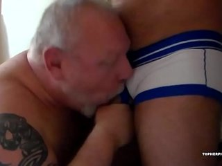 Daddy Zev Barebacks Topher Phoenix